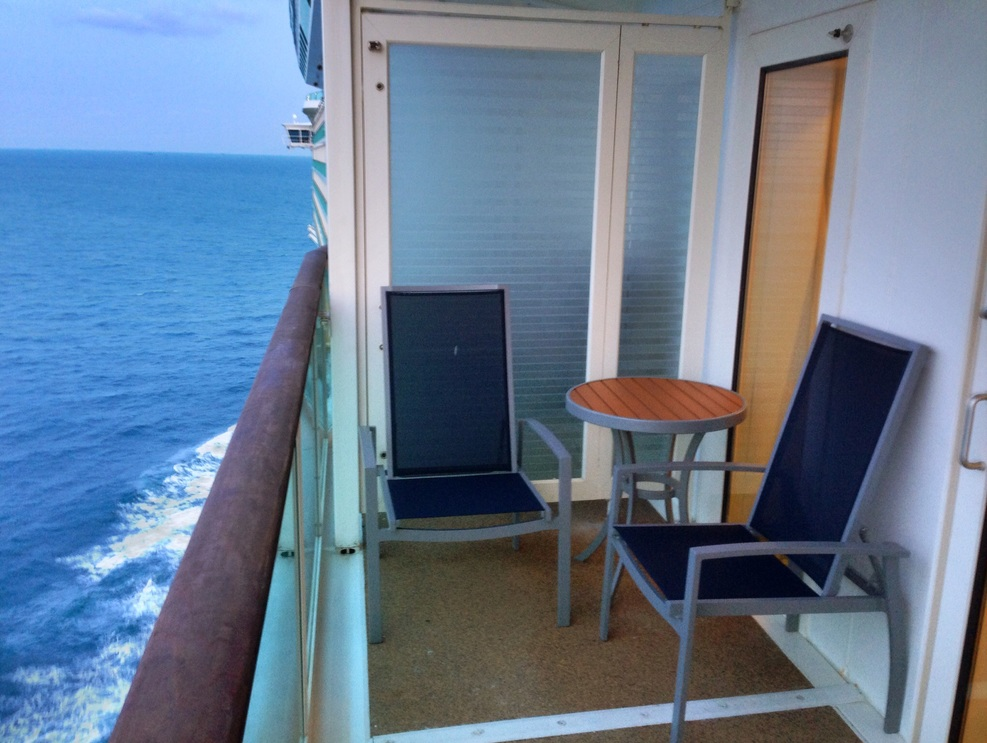 Cabin on royal caribbean mariner of the seas cruise ship for Cruise balcony