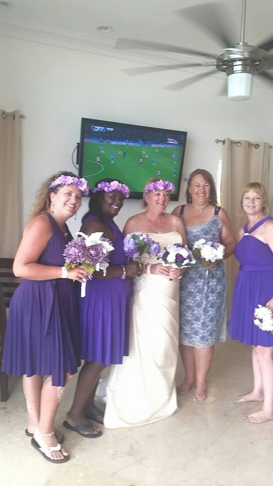 ladies just before the ceremony