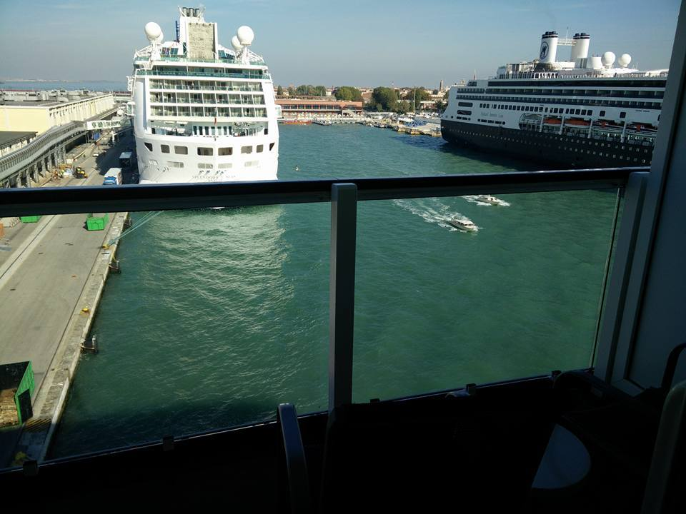 Ship on norwegian jade cruise ship cruise critic for Balcony view on cruise