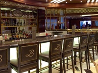 Champagne bar on the Royal Princess