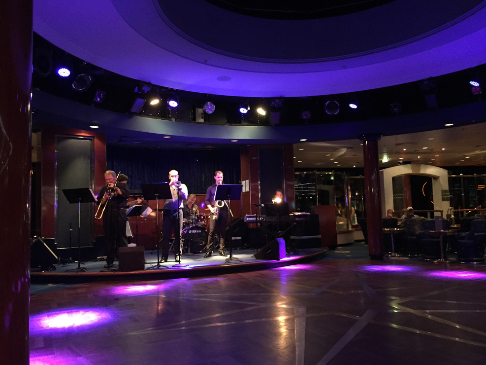 Galaxy of the Stars Lounge (Deck 12) during a jazz show