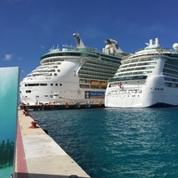 in Cozemel, Indepence of the seas on left, Brilliance on right