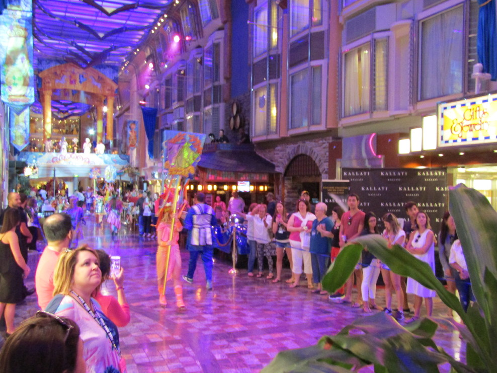 Royal Caribbean Independence Of The Seas Cabins Wroc