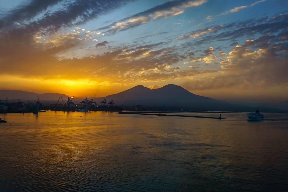 Good morning Naples! (I shot this picture from the balcony of our cabin.)