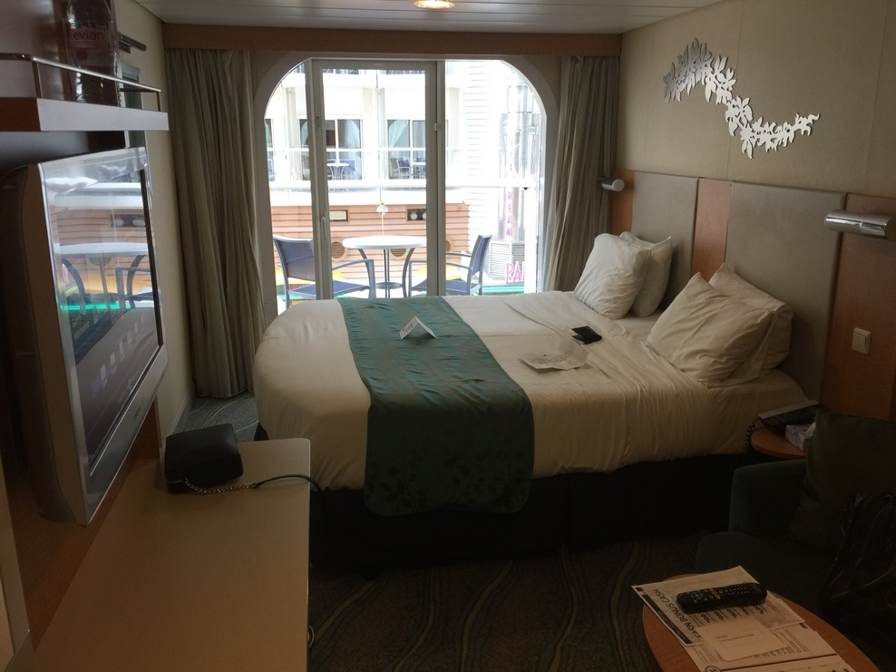 Cabin on royal caribbean oasis of the seas cruise ship for Balcony in room
