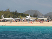 excursion to watch the planes land on st maarten