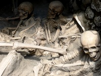 Plaster casting of skeletons at Herculaneum (Naples)