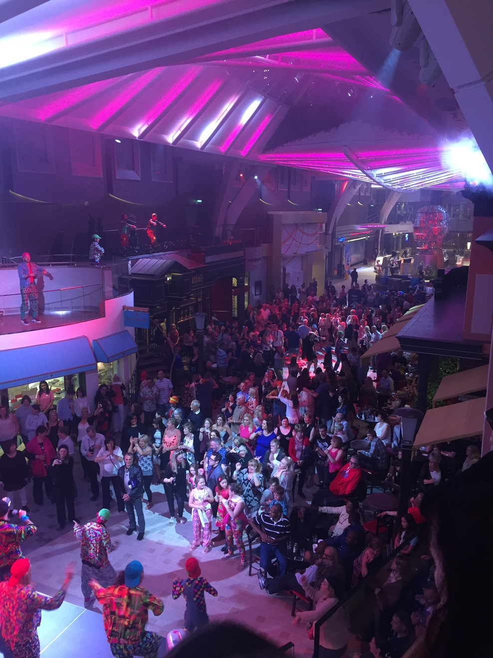Royal Promenade on 90's dance party night