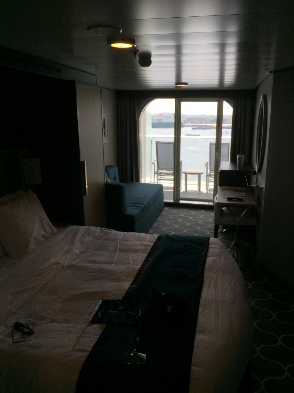 Cabin on royal caribbean harmony of the seas cruise ship for Royal caribbean solo cabins
