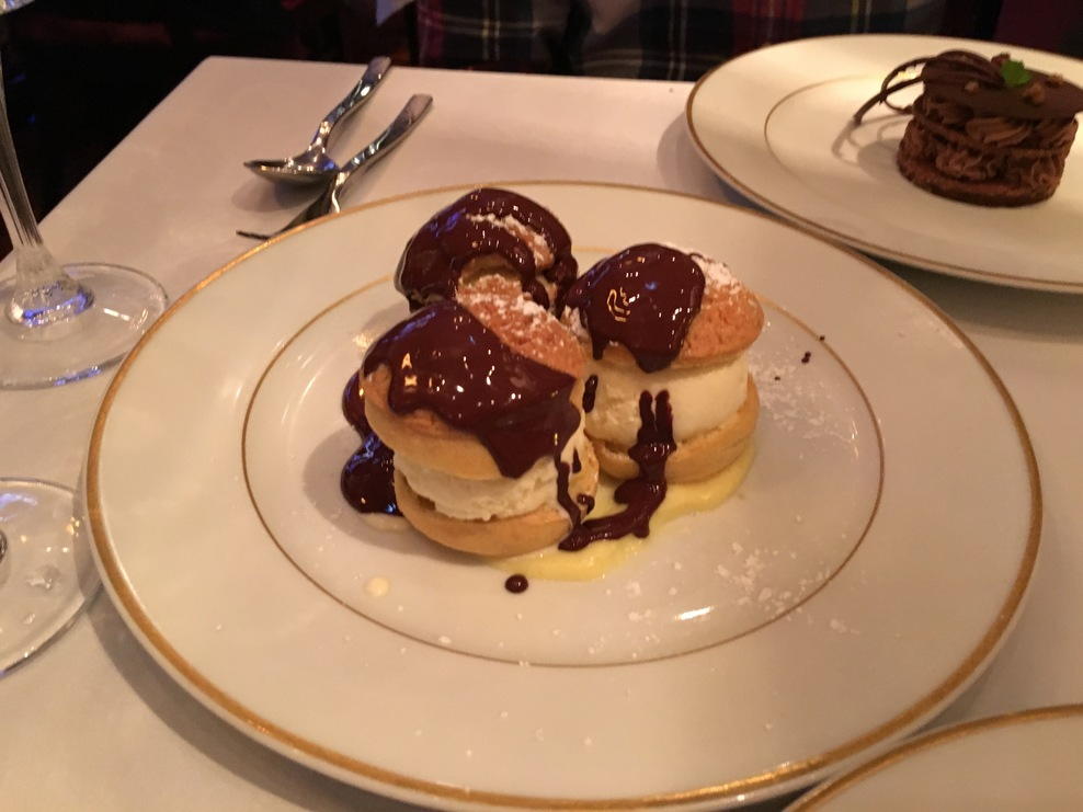 Magic Shell profiteroles