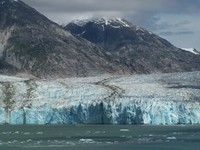 The glacier in the Fjord - look for the 2 tour boats in front of it to see