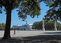 Sirena docked in the center of Bordeaux