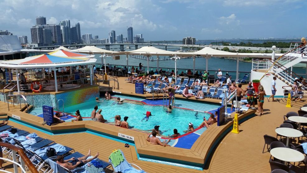 Pool Deck Cruise Ship Cruise Critic - Empress of the seas cruise ship