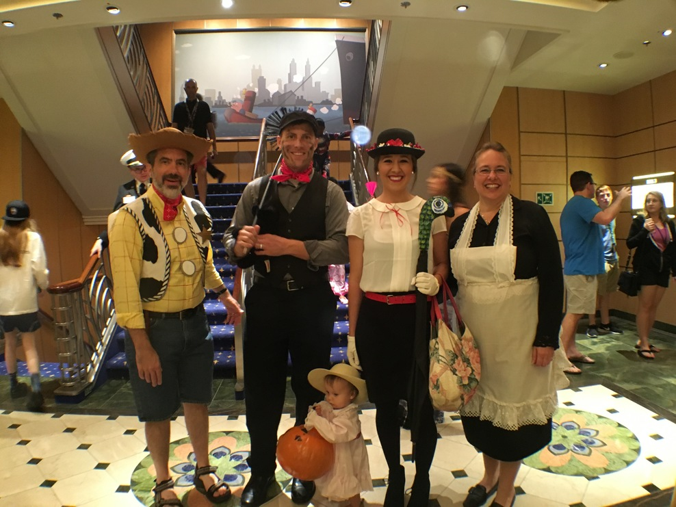 Great Mary Poppins family on Halloween.