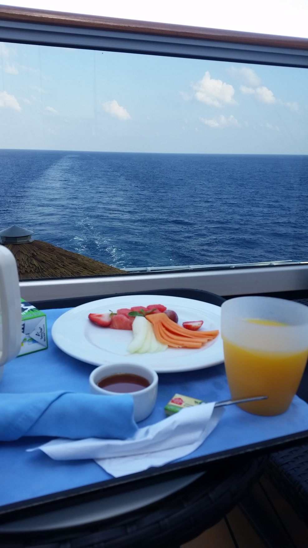Havanna aft ext balcony room service. Breakfast with a view