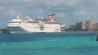 Cruise ship from Junkanoo Beach