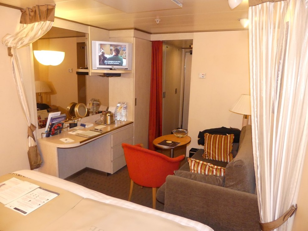 Cabin 2600 - J category on Main Deck