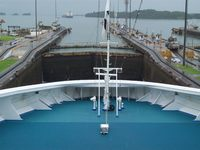 Gatun Locks, cruising
