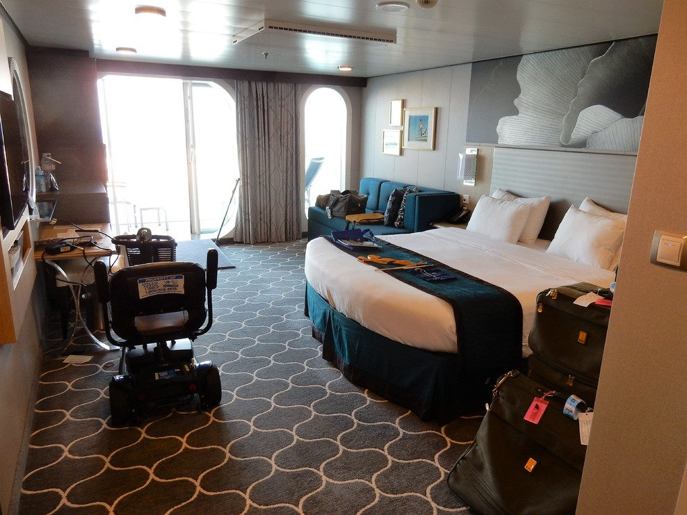 Cabin on Royal Caribbean Harmony of the Seas Ship - Cruise ...