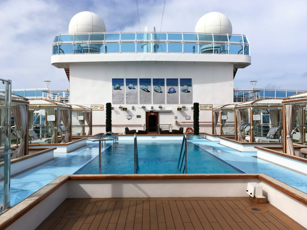 The Retreat -Adults only pool - Regal Princess