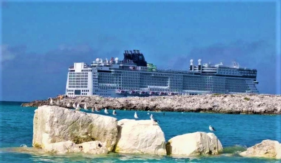 Tender view from Great Stirrup Cay