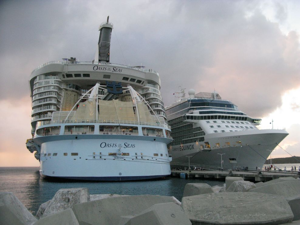 Port on Royal Caribbean Oasis of the Seas Cruise Ship ...