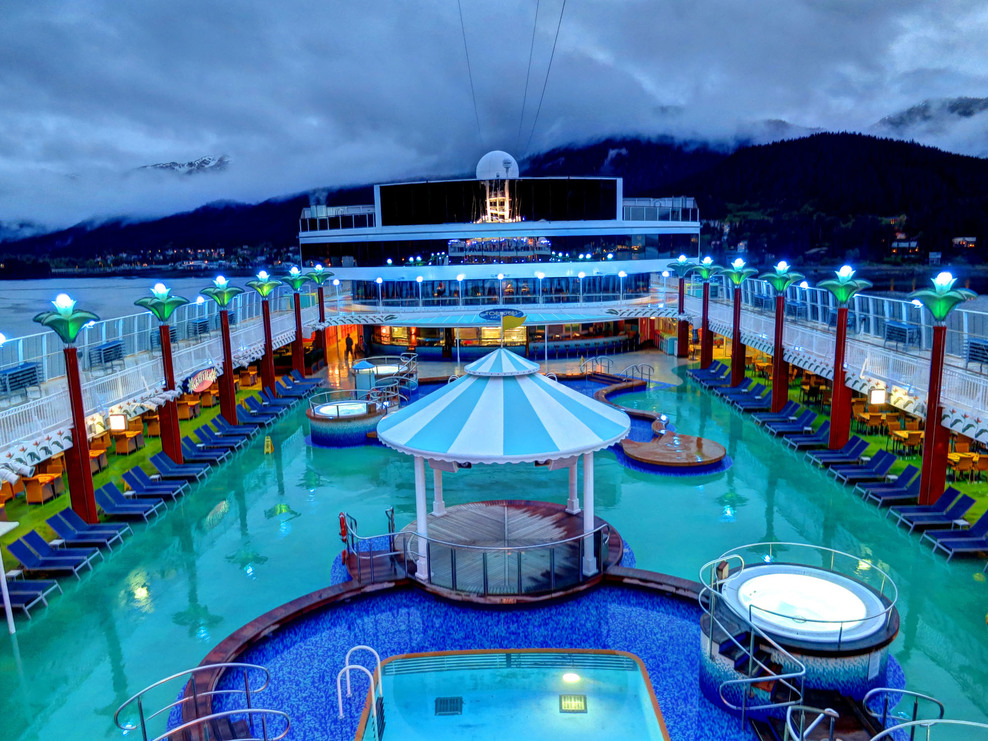 Pool, Spa, Fitness on Norwegian Pearl Cruise Ship