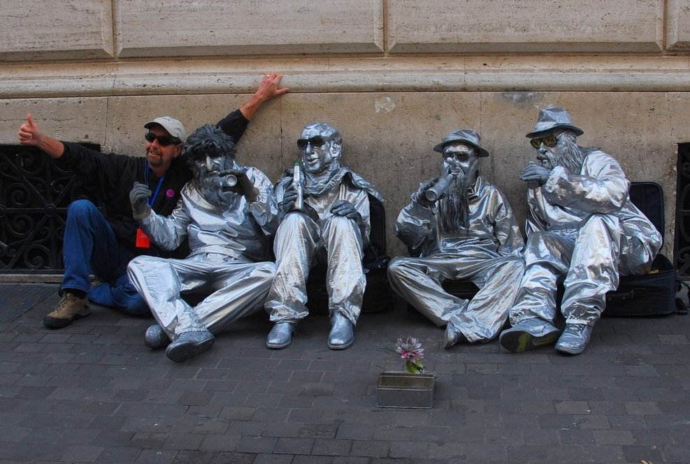 Hanging out with the street mimes while walking in Venice