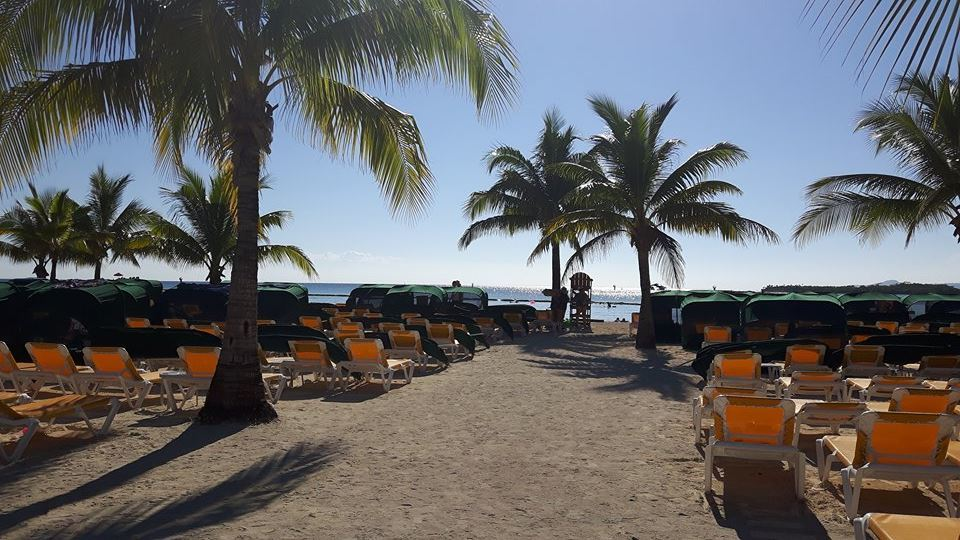 The once crowded Beach at Mahogany Bay. Picure taken as we left the beach heading back to the Splendor.