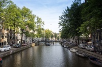 An image of one of the canals in Amsterdam, taken during the walking tour w