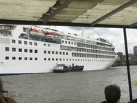 Silver Wind ...Disembarkation .. Tower Bridge London