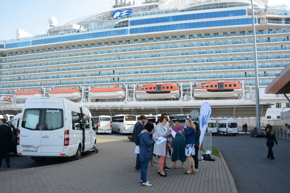 Regal Princess in port meeting TJ Travel excursion