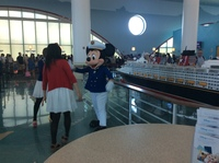 Mickey in port Canavarel
