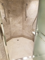 Suite shower---roomy!