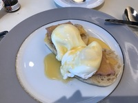 I loved these eggs benedict!