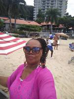 Chilling At The Beach Me & My Selfies