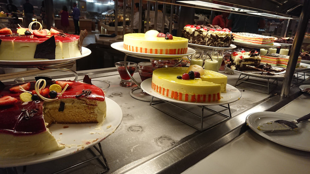 Somehow, all these cakes tasted the same (bland)