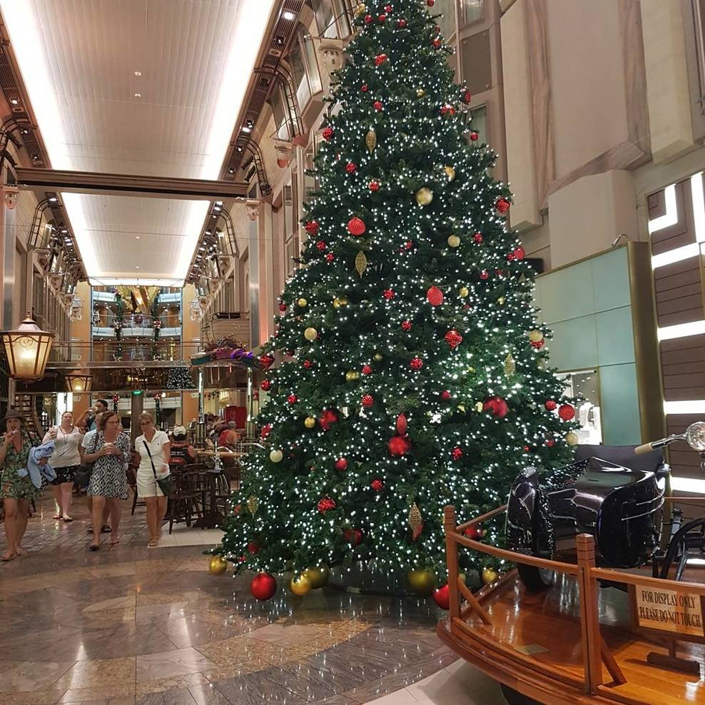 The Christmas tree in the promenade