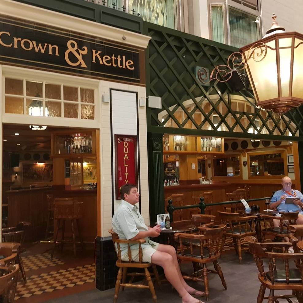 outside Crown and Kettle Pub. this was one of our favourite haunts on the s