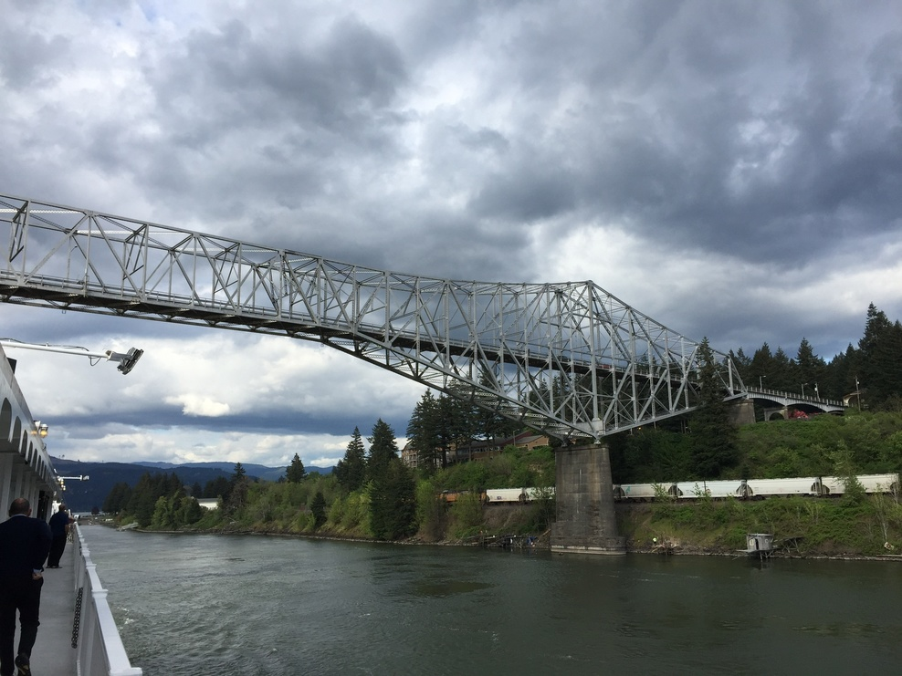 bridge at Cascade Locks