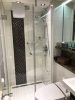 Cabin Bath - Great Shower!