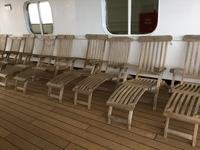 How can anyone sit on these wooden loungers without covers/pads? We asked s