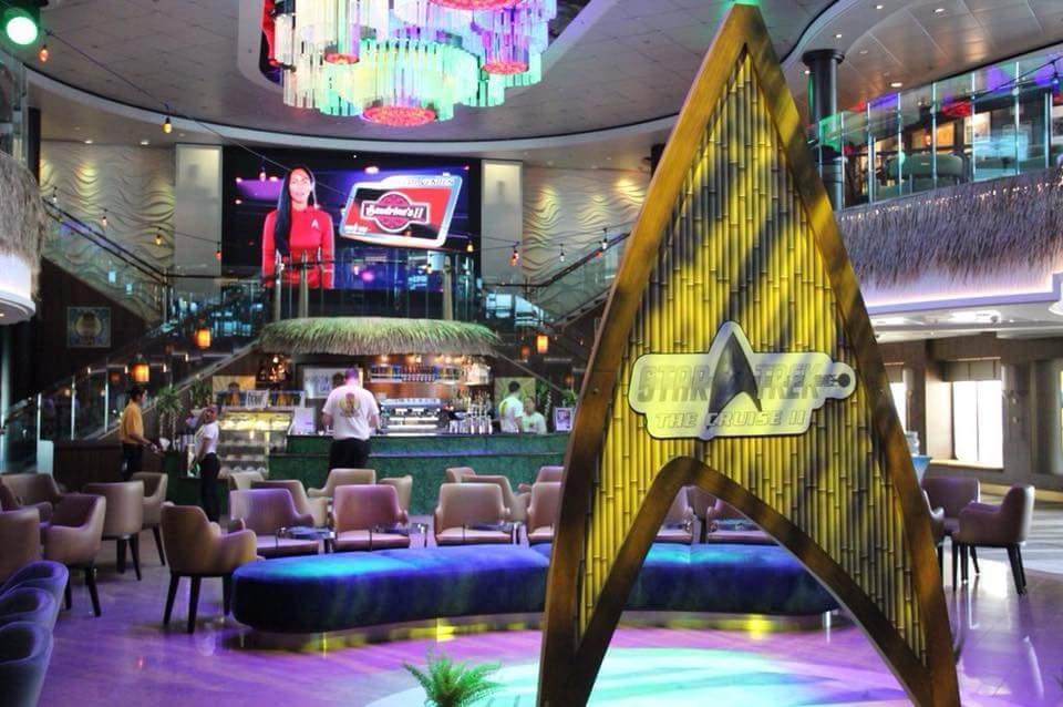 NCL Norwegian Jade - Atrium Bar (Star Trek Shore Leave Bar theme during Sta