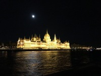 Evening cruise to see city ligh To of Budapest