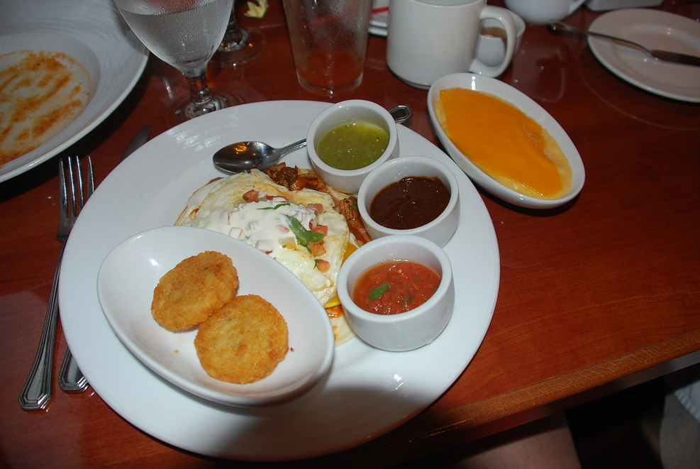 juevos rancheros at the seaday brunch. hash browns horrible, but the eggs a