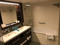 Bathroom of palace Suite 13518