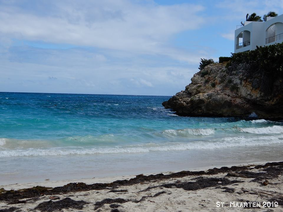 St. Maarten bus tour + lunch w/Beach Break beach.