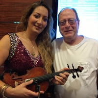 The incredible Hungarian violinist, Bernadett, entertained us at the Stardu
