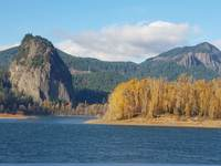 One of our sunny days, cruising up the Columbia toward Bonneville Dam.
