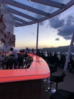 Sunset bar, bar lights change color, beautiful and relaxing, rarely crowded